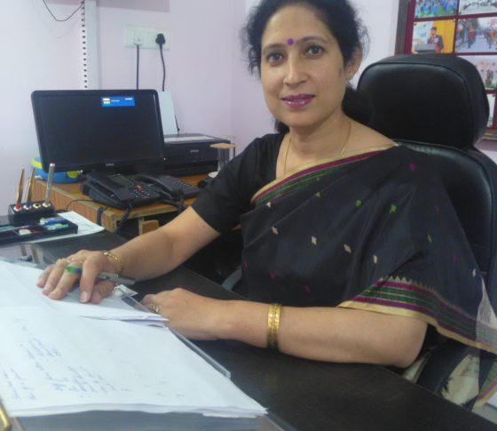 Mrs. Neera Mahajan (Principal)
